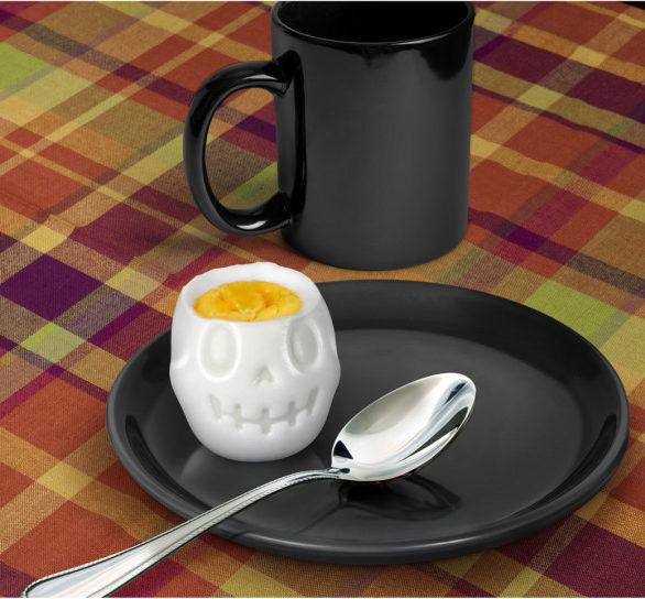 Koponya főtt tojás