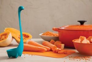 Nessie merőkanál. Design konyhai eszköz. 3 különböző színben (türkizkék, lila és zöld)
