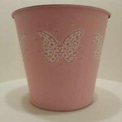 Rózsaszín fém kaspó lepke mintával