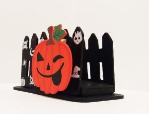 halloween-szalvetatarto-alacsony-keritessel
