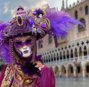 Farsangi jelmez,karneváli hangulat a lilapapagaj.hu segítségével