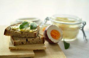 tojáskrém, kenyér reggeli Lilapapagaj.hu